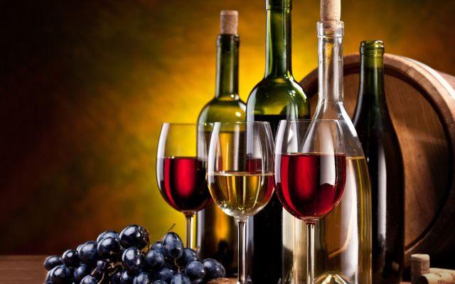 red-wine-bottles-wallpaper